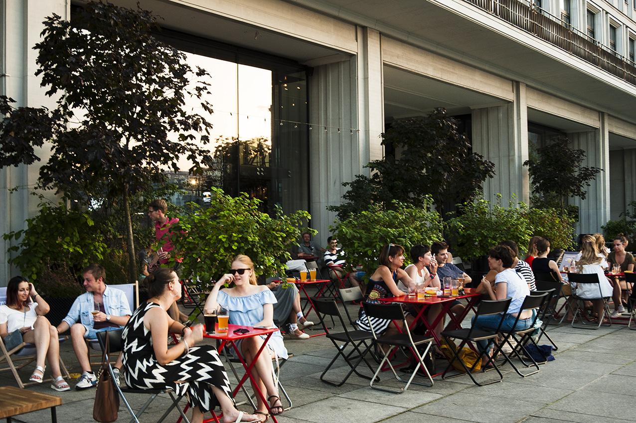 Cuda na Kiju w dawnym Domu Partii