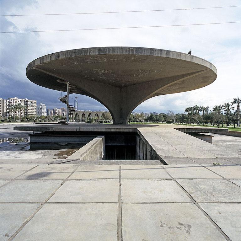 Nicolas Grospierre, Muzeum kosmosu i lądowisko dla helikopterów, Międzynarodowe tereny targowe, Tripoli, Liban, 2010
